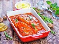 Херинга на фурна с доматен сос